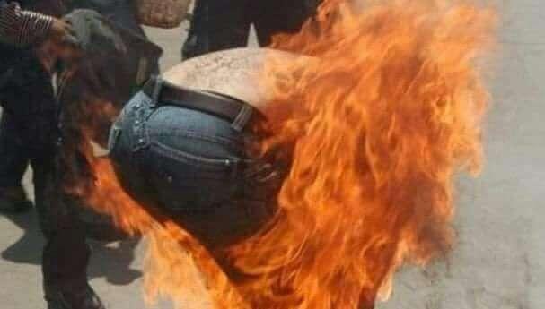 فراس مواطن يحرق نفسه بسبب تأخر الرواتب