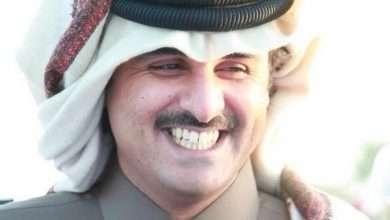 صورة متابعي تويتر يرجعون إلى ذاكرة إنقلاب تميم على والده حمد