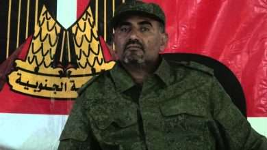 Photo of عيدورس الزبيدي يهدد الإصلاح بالتصفيه ويصنفهم ظمن مجموعة الإرهاب