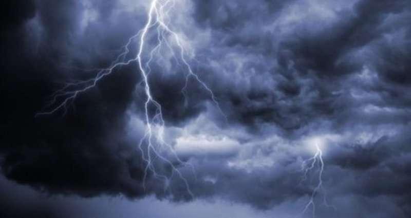 حالة الطقس : امطار غزيرة مصحوبة بسحب رعدية على العاصمة اليمنية صنعاء وبعض المحافظات الالجنوبية الغربية
