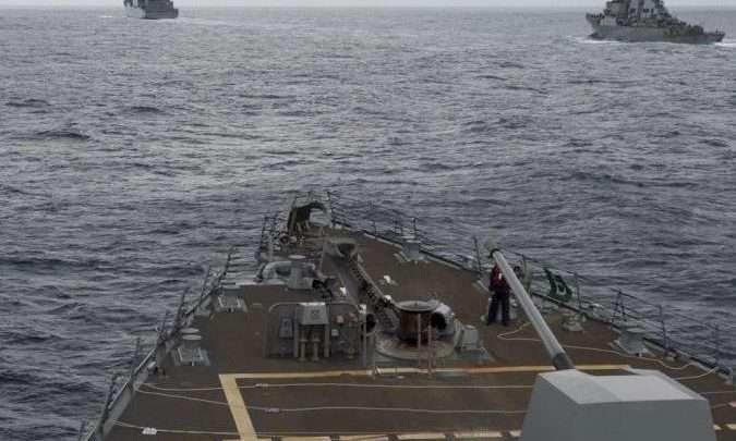 صورة حرب المحيطات.. الصين تعلن حالة استنفار بسبب سفينتين حربيتين أمريكيتين أبحرتا قرب جزرها