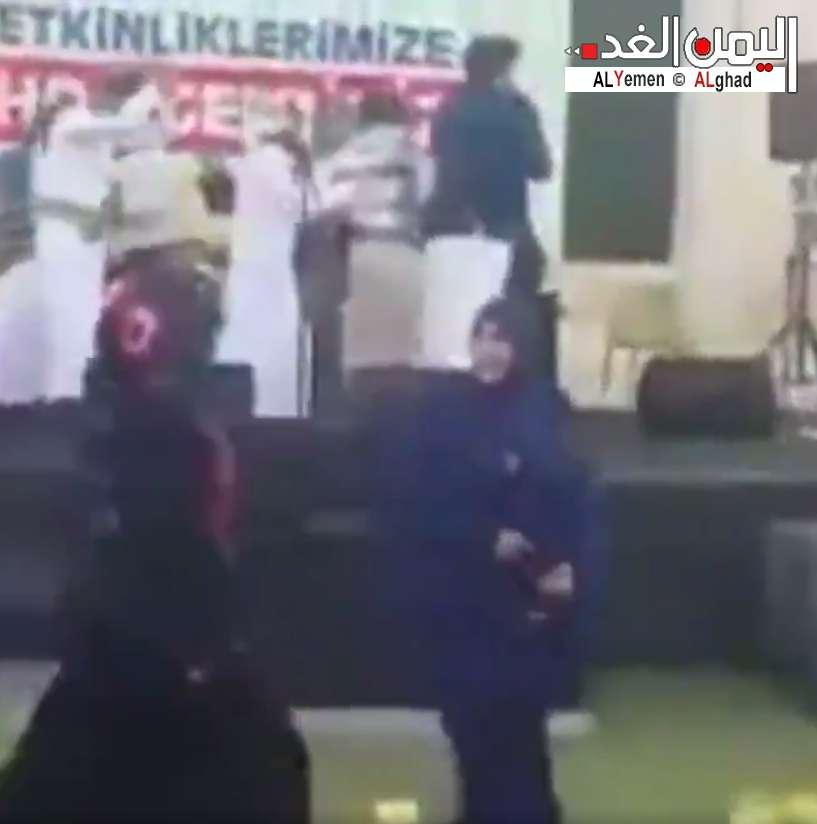 توكل كرمان تنفي فيديو الرقص الذي انتشر في الفيس بوك وتويتر وتطبيق الواتس اب