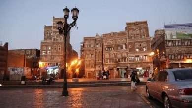 صورة الأسواق اليمنية تكتظ بالمتسوقين قبل موعد رمضان 2018
