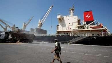 صورة أمريكا تقف في صف الحوثيين وتحذر الإمارات من الهجوم على ميناء الحديدة اليمني