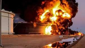 فرق الإطفاء في أرامكو السعودية تسيطر على الحريق الذي تسببت به طائرة حوثية 1