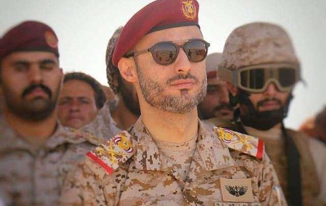 Photo of إقالة هاشم الأحمر وخروجه خارج الوطن