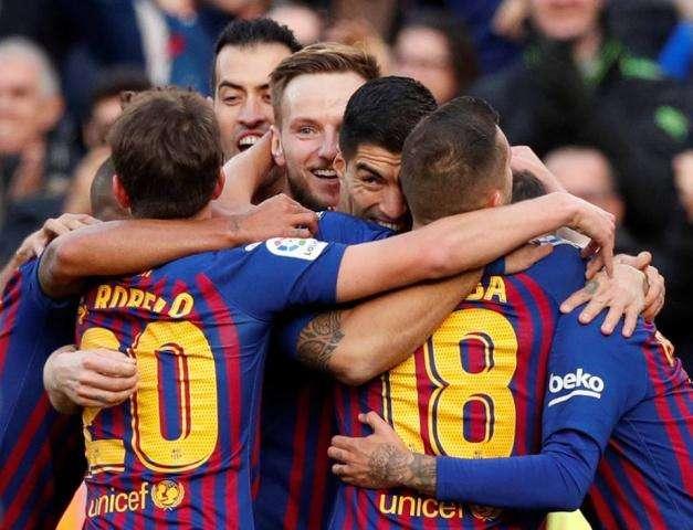 اهداف مباراة برشلونة وريال مدريد يلا شوت كلاسيكو الجولة 10