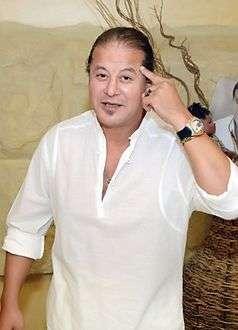 وائل نور في شقة فيصل بعد وفاته
