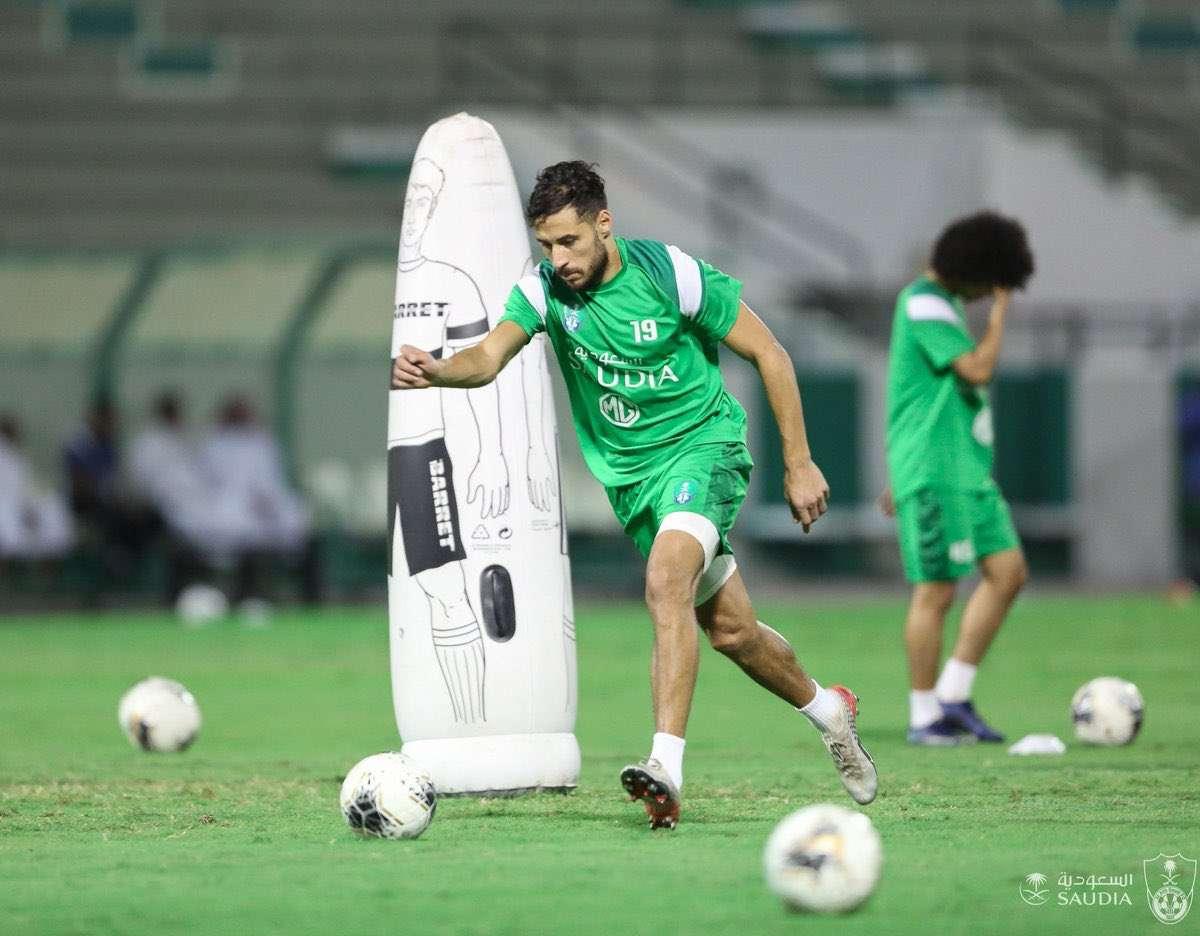 Photo of إستبعاد يوسف بلايلي من مباراة الأهلي والشباب اليوم