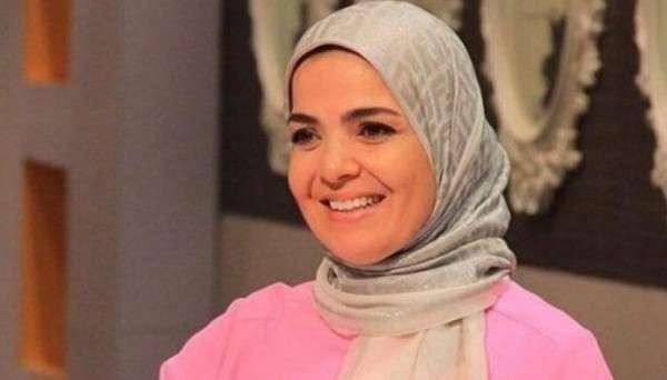 هاام..أصيبت منى عبد الغني بأزمة صحية وتم نقلها إلى المستشفى