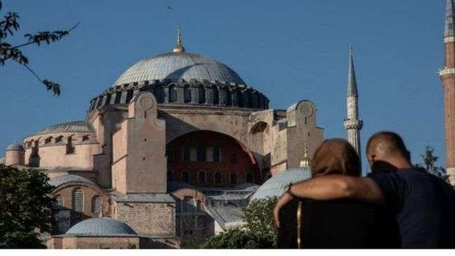هاام.. أول صلاة جمعة بعد تحويله من متحف إلى مسجد