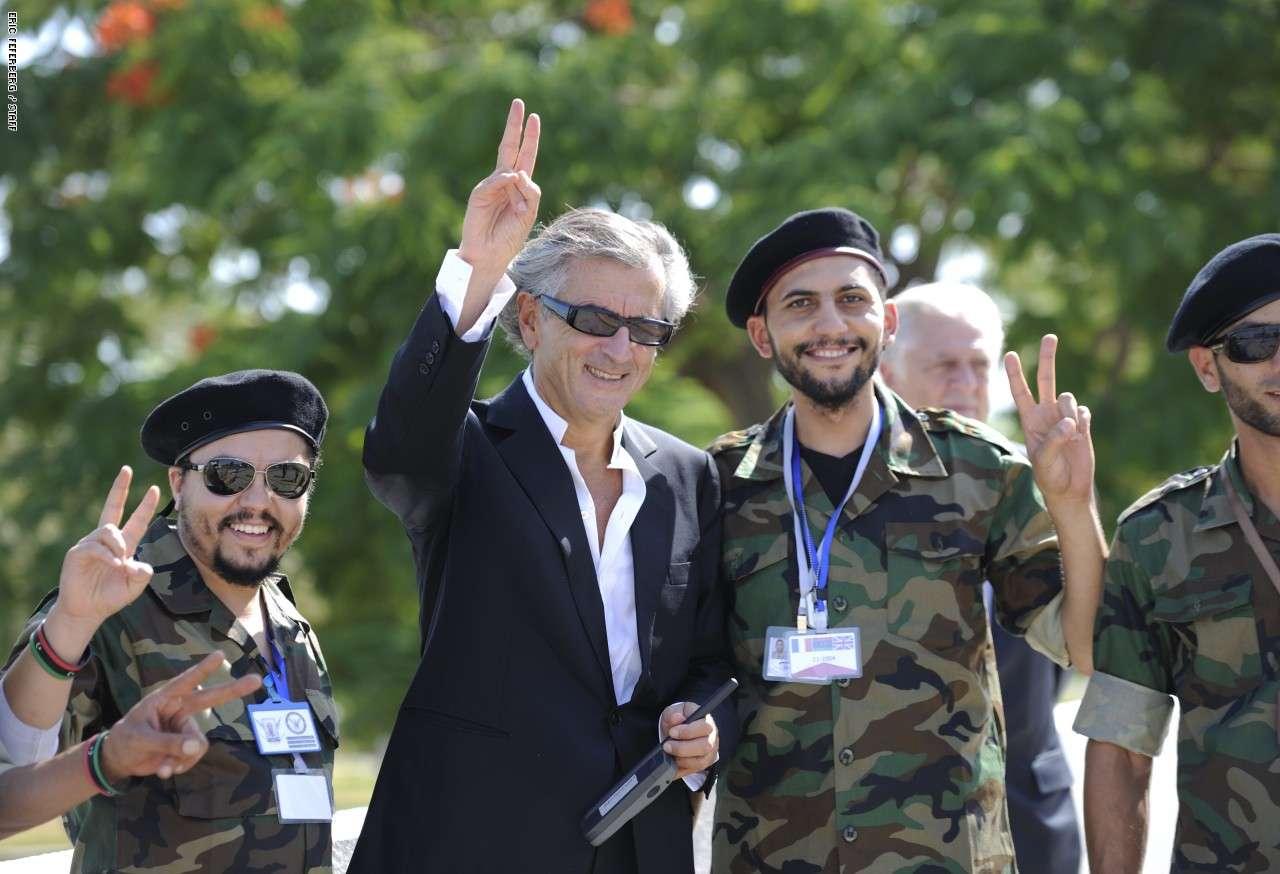 تسببت زيارة برنارد ليفي ليبيا في رد غاضب وأنباء عن رحيله من قبل ترهونه