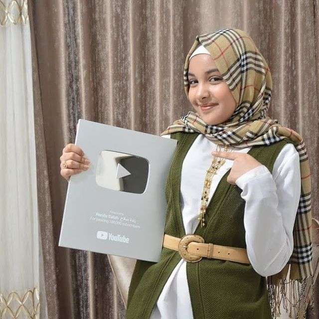 حقيقة وفاة رنده صلاح الكردي من هي ويكيبيديا انستقرام صور